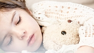 Kā pasargāt bērnu no vēdera vīrusa? Skaidro infektoloģe