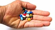"""Kampaņa """"Dubults neārstē"""" mudinās cilvēkus pievērst uzmanību zāļu sastāvam"""
