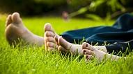 Kas jāzina par kāju svīšanu vasarā?