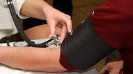 Zems asinsspiediens: Cēloņi un risinājumi