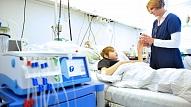 Neatliekamā palīdzība bērniem visu diennakti būs pieejama slimnīcā Vienības gatvē