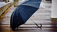 Pētījums: Galvenie labsajūtas ienaidnieki rudenī – tumsa, laikapstākļi un tēriņi