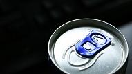 Policija jaunajā gadā sola efektīvu cīņu pret enerģijas dzērienu tirgošanu nepilngadīgajiem