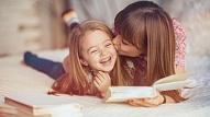 Psiholoģe: Uz vienu aizrādījumu bērnam vajadzīgas piecas uzslavas