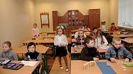 Aicinās pievērst lielāku uzmanību skolēnu muguras veselībai