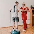 Individuāla nodarbība ar fizioterapeitu, līdzsvara treniņš