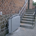 Invalīdu pacēlāji kāpnēm