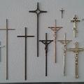 Koka krusti, plāksnītes, rituālie piederumi